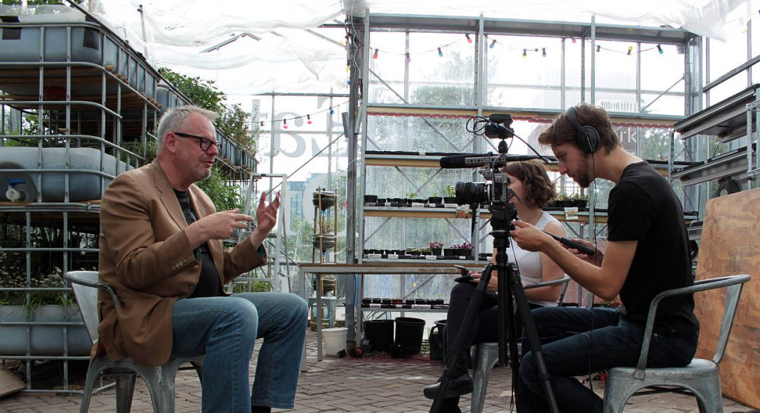 Willem Velthoven Backstage Interview : Photo © Amateur Cities and © New Generations