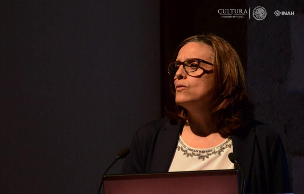 Laura Filloy Nadal, directora del Proyecto de carectirazión de materiales constitutivos y de la técnica de manufactura de los bienes culturales del MNA-INAH : Foto © Mauricio Marat, INAH