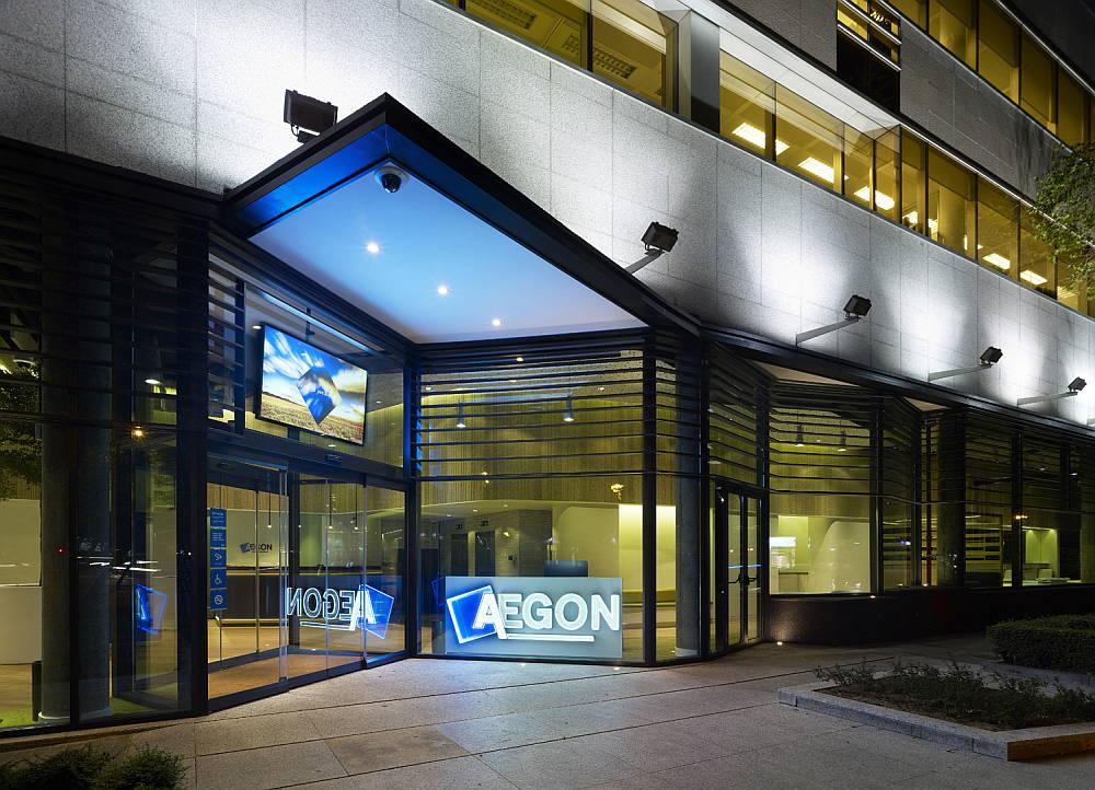 Reforma de Planta Baja de Edificio AEGON por MVN Arquitectos : Fotografía © Alfonso Quiroga
