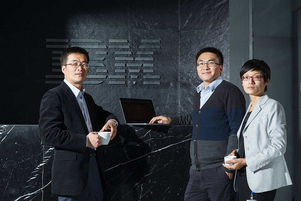 Right to Left: Senior manager Dr. Yin Wenjun, Green Horizons research scientist Dr. Baoguo Xie, and Green Horizons project lead, Dr. Jinyan Shao at IBM Research-China : Photo credit © IBM