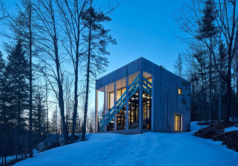 Lake Jasper House by Architecturama : Photo © James Brittain Photography