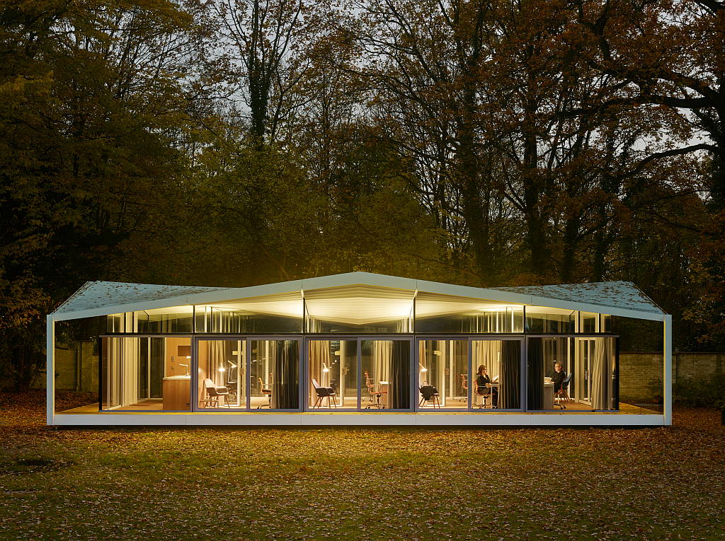 Barkow Leibinger: Fellows Pavilion - American Academy, Berlin, Germany, 2015 : Photo © Stefan Müller