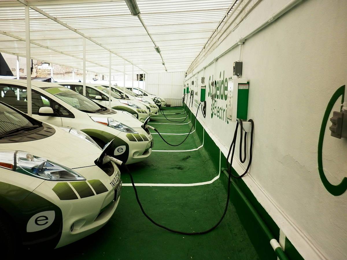 Estaciones de Carga para Taxis Eléctricos Ciudad de México de Schneider Electric : Fotografía © Schneider Electric México