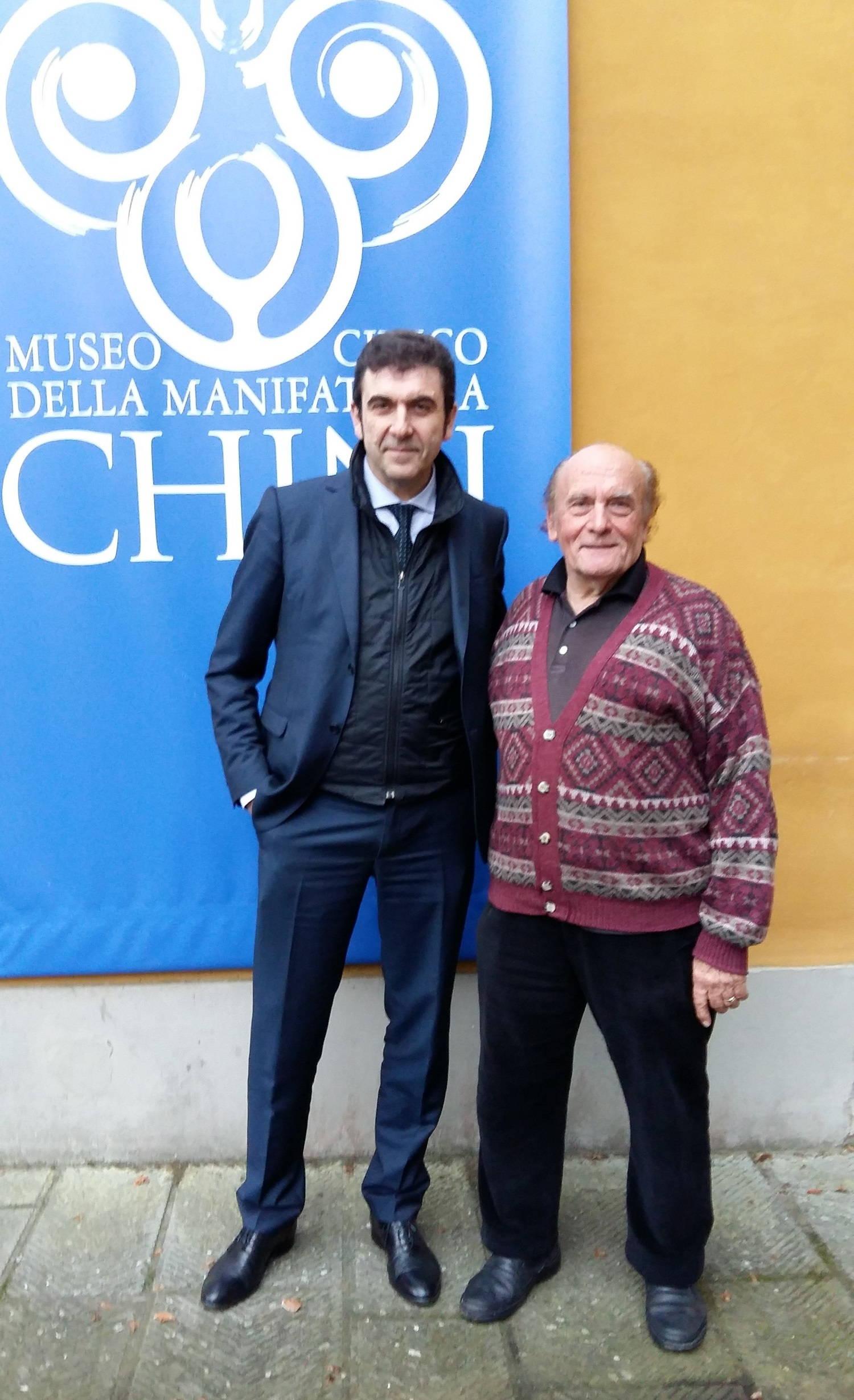 Fotografía del Presidente y CEO Graziano Verdi con el Maestro Vieri Chini : Photo © Pecchioli Ceramica Firenze