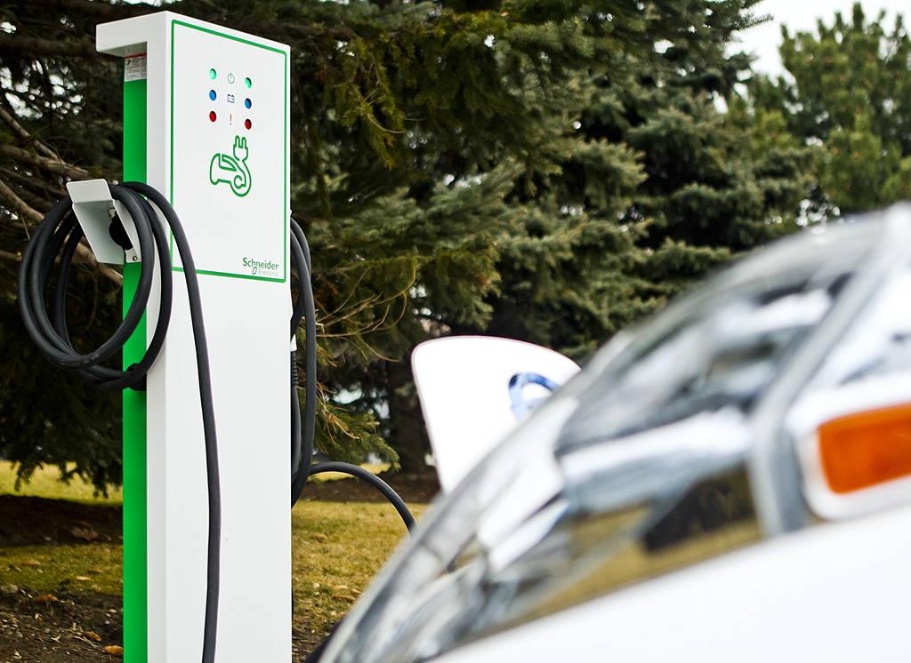 Estación de Carga para Vehículos Eeléctricos de Schneider Electric : Fotografía © Schneider Electric México