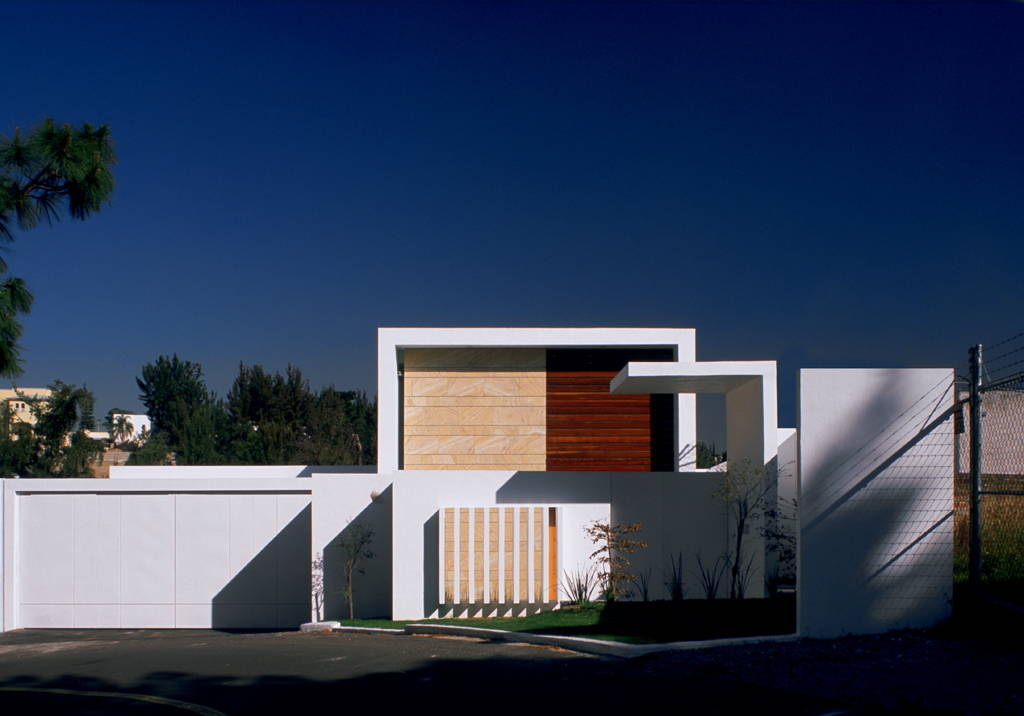 Casa Cubo Fachada diseñada por Agraz Arquitectos : Fotografía © Mito Covarrubias