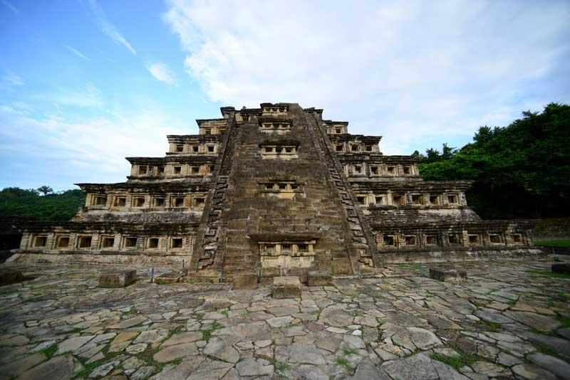 Zona Arqueológica de El Tajín, Veracruz : Foto © Mauricio Marat, INAH