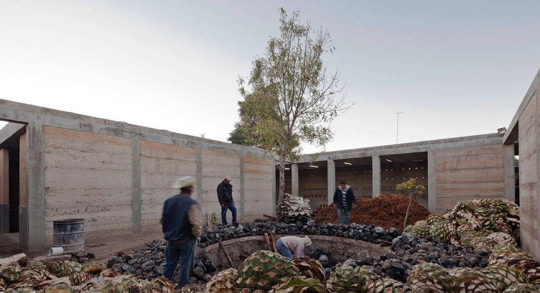 Industria Palenque Milagrito de Ambrosi | Etchegaray representa a México en la X BIAU en Sao Paulo : Fotografía © Onnis Luque