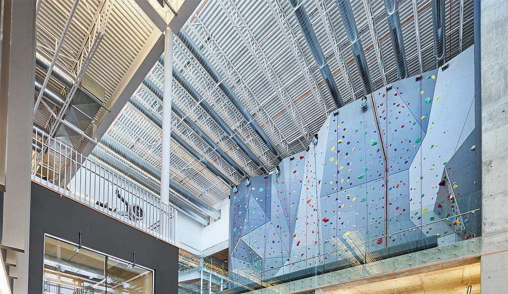 Active Living Centre at the University of Manitoba by Cibinel Architecture and Batteriid Architects : Photo © Jerry Grajewski
