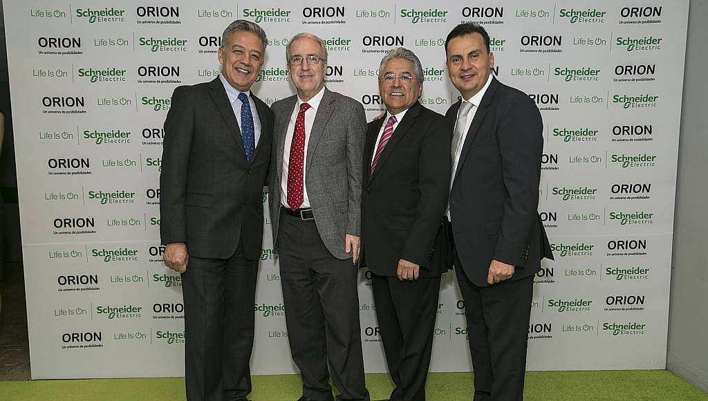 Personalidades durante el lanzamiento de la línea Orion de Schneider Electric México en el Foro Masaryk : Fotografía © Schneider Electric México