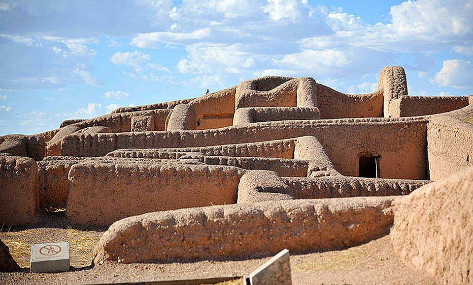 Sitios como Paquimé, el Zapotal y Cholula fueron edificados mediante esta ancestral técnica constructiva : Foto © Héctor Montaño INAH