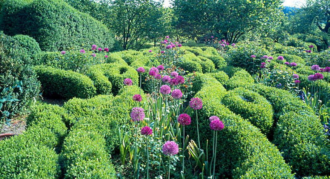 The Latz house and garden in Kranzberg, Germany, Homage to Vignanello, since 1991 : Photo © Monika Nikolic