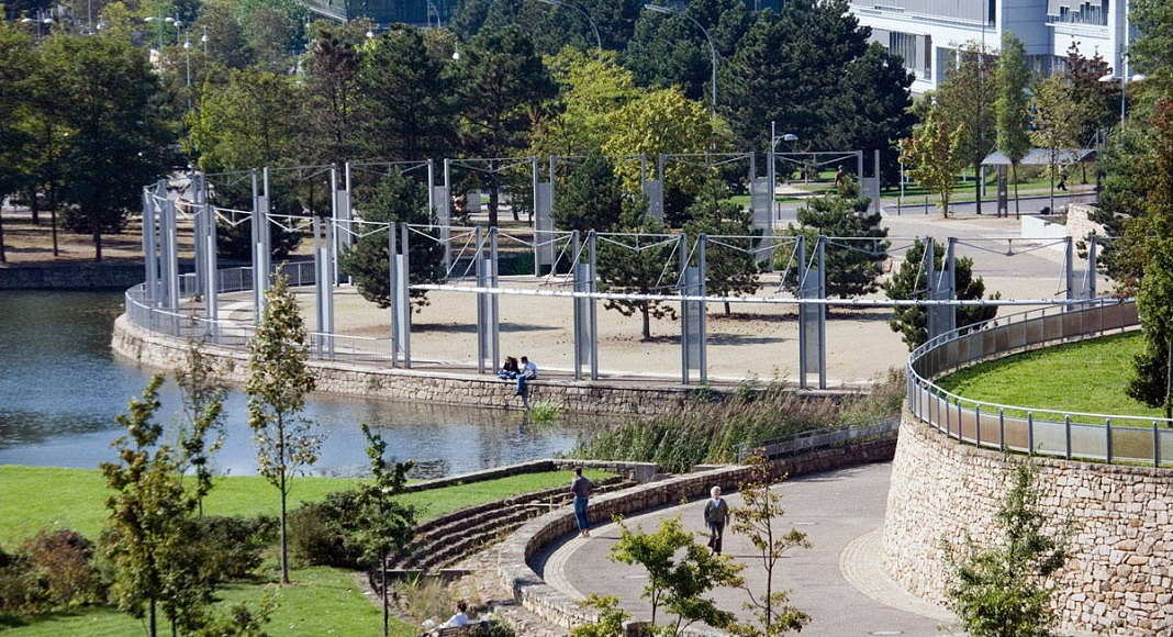 Plateau de Kirchberg, Luxembourg - Parc Central, Urban, landscape and artistic renewal of the European town, since 1991 : Photo © Michael Latz