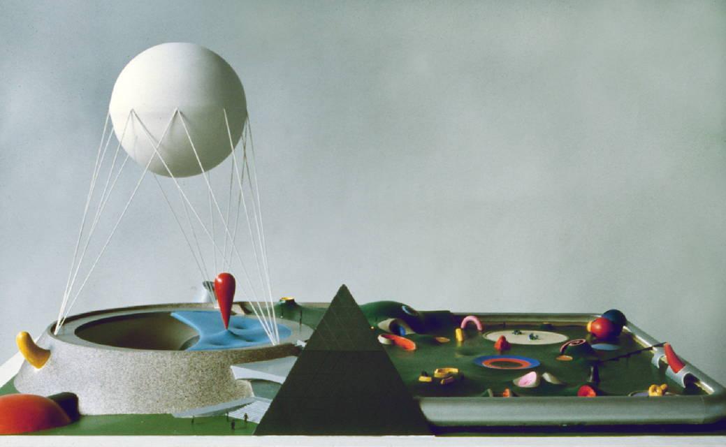 Isamu Noguchi. Maqueta del Pabellón EE.UU. Expo 1970, Yeso, alambre y pintura. © The Isamu Noguchi Foundation and Garden Museum, Nueva York