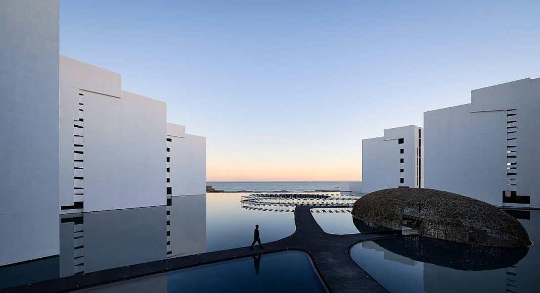 Mar Adentro Hotel and Residences, diseñado por el arquitecto Mexicano Miguel Ángel Aragonés en Los Cabos, BCS: Fotografía © Mar Adentro Hotel and Residences