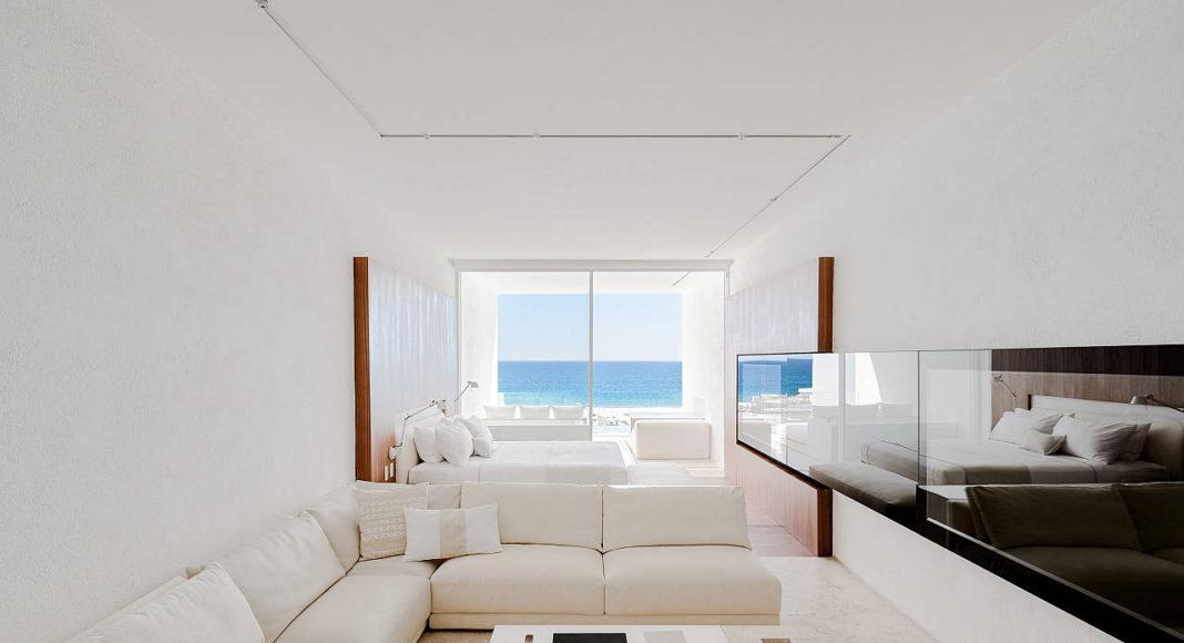 Junior Suite Mar Adentro Hotel and Residences, diseñado por el arquitecto Mexicano Miguel Ángel Aragonés en Los Cabos, BCS: Fotografía © Mar Adentro Hotel and Residences