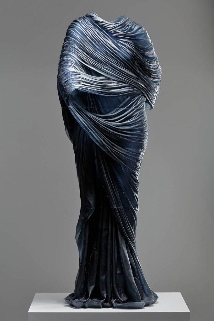 Nocturne 5, Karen LaMonte, República Checa, 2015. Museo Corning de Cristal. Adquirida con fondos aportados por la Sociedad Ennion Society : Photo Martin Polak © Karen LaMonte
