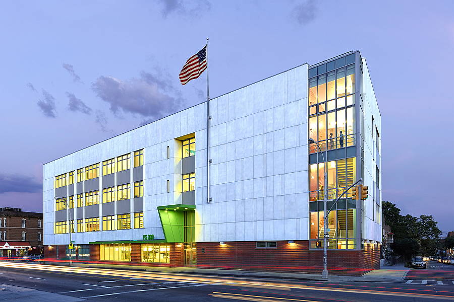 Primary School 330Q Queens, NY - Murphy Burnham & Buttrick Architects New York, NY : Photo Credit © Ty Cole/ Chuck Choi