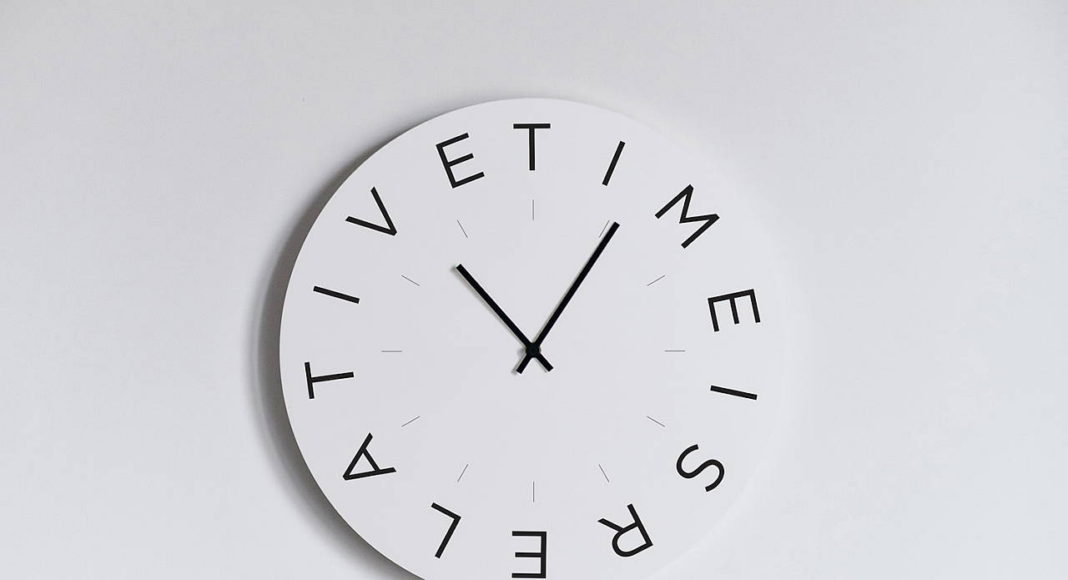 Mood Clocks Time es relative by Paula Design Studio : Photo © Matteo Cavalieri