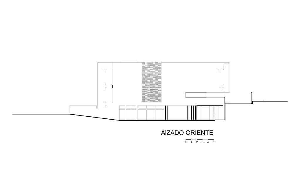 Alzado Oriente del proyecto ejecutivo para la CasaBlanca : Dibujo © Agraz Arquitectos