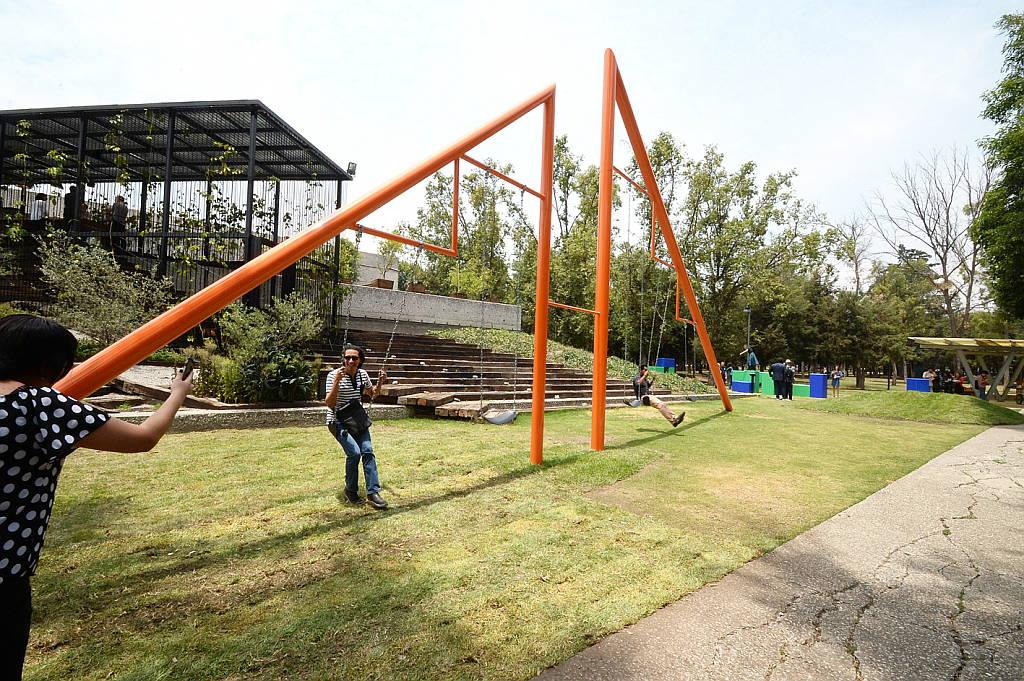 El director del Museo Tamayo, Juan Gaitán, comentó que para ese recinto era de suma importancia exponer la obra de Noguchi : Fogtografía © FSM, cortesía de la Secretaría de Cultura de México