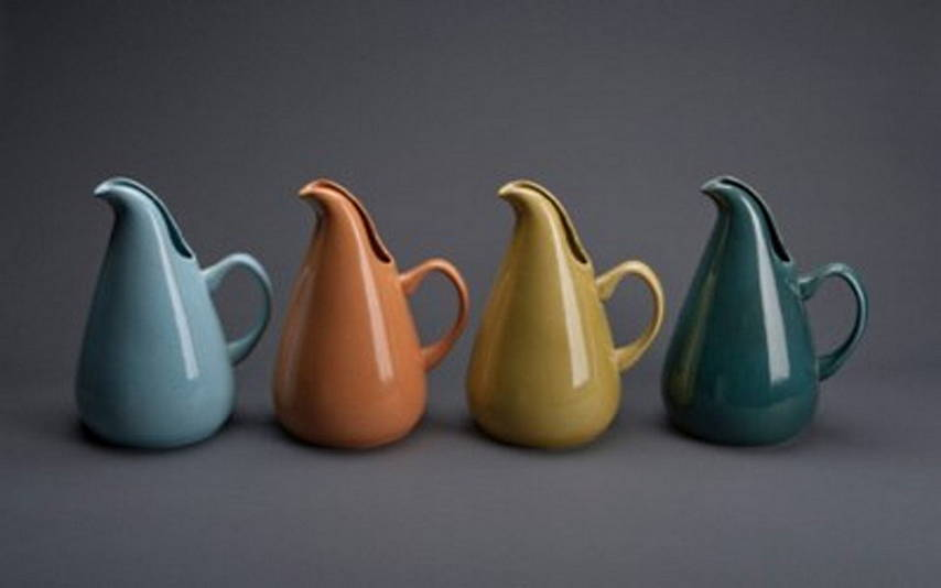 Russel Wright (1904–76) Four American Modern pitchers Designed 1937 Glazed earthenware Each: 10¾ x 8⅛ x 6½ (27.3 x 20.6 x 16.5 cm) Produced by Steubenville Pottery Company, Steubenville, Ohio : Photo by © Shane Culpepper, Tulsa