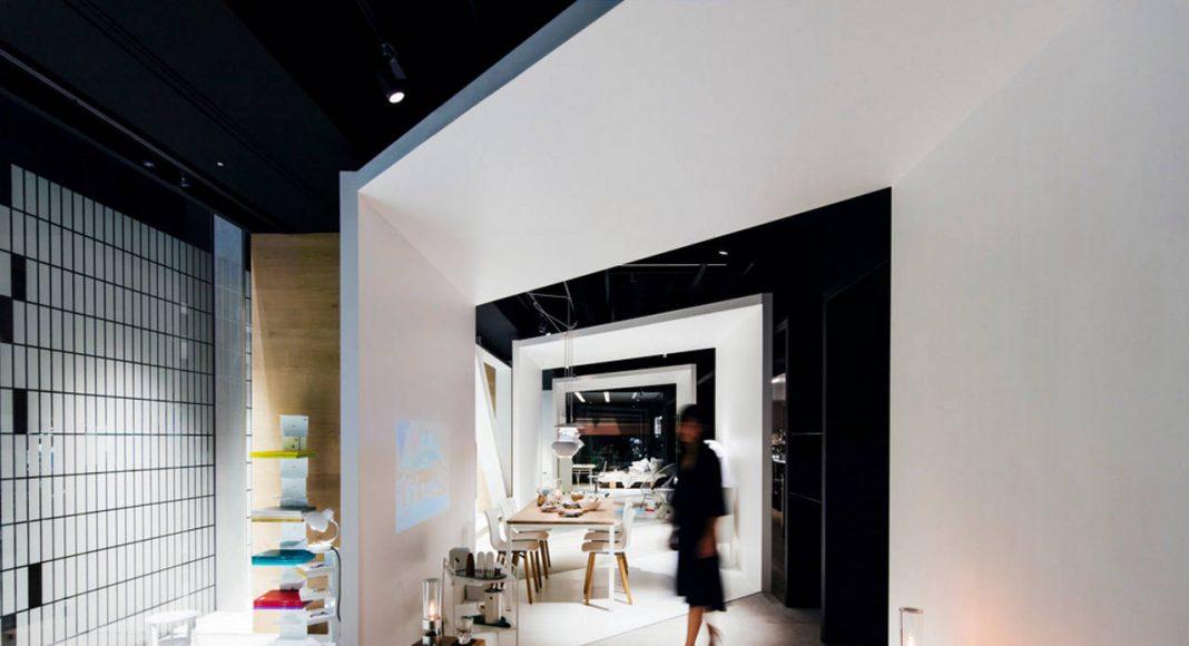 Interior (estancia, comedor, sala para niños, estudio, recámara) : Photo credit © shuntaro (bird + insect)