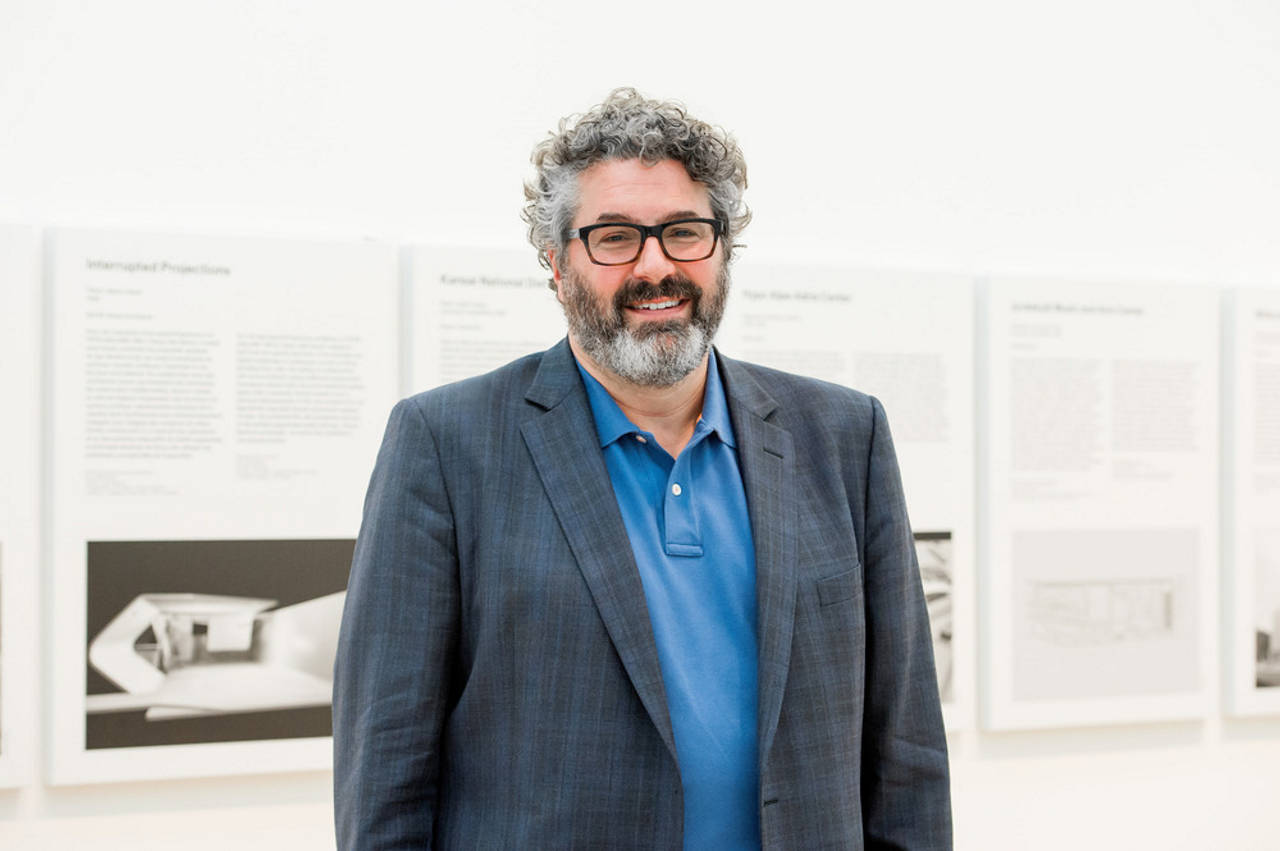 "Greg Lynn in the exhibition galleries of ""Archaeology of the Digital: Complexity and Convention"", Canadian Centre for Architecture, Montréal, 2015 : Photo credit © CCA, Montréal"
