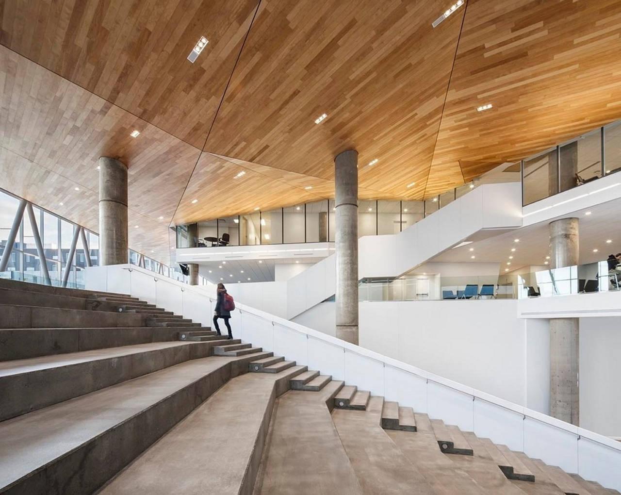 École de technologie supérieure (ÉTS) Montréal by Menkès Shooner Dagenais LeTourneux Architectes : Photo © Stéphane Brugger