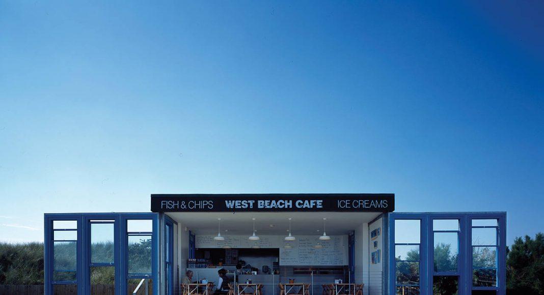 Asif Khan: West Beach Café, Little Hampton, UK, 2008 : Photo © Hélène Binet