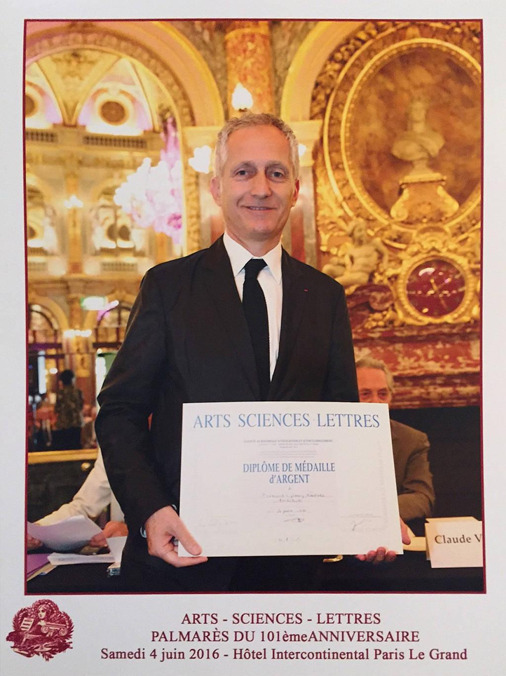 La Sociedad Académica Arts-Sciences-Lettres otorga la Medalla de Plata al Dr. Bernardo Gómez-Pimienta : Fotografía cortesía de © bgp arquitectura