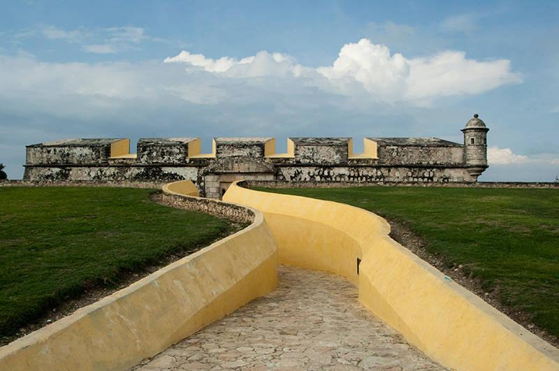 Ciudad Histórica Fortificada de Campeche : Foto © Adalberto Ríos Szalay