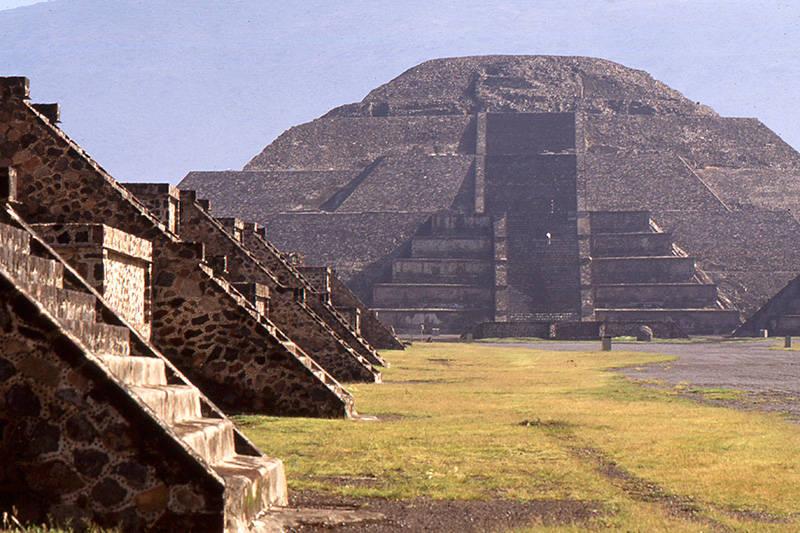 Zona Arqueológica de Teotihuacan : Foto © Adalberto Ríos Szalay