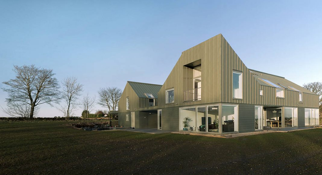 Zinc-House South West View by LJR+H Chartered Architects near Monikie, Angus, Scotland : Photo credit © Mark O'Connor