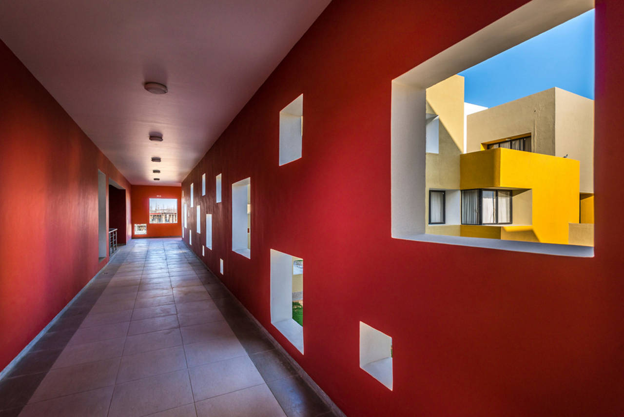 Studios 18 Corridor by Sanjay Puri Architects : Photo credit © Vinesh Gandhi
