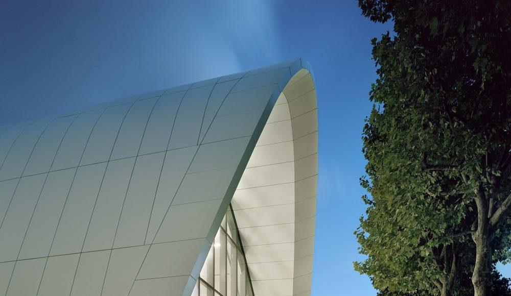 Evergreen campus reception pavilion by Arte Charpentier Architectes : Photo © LK Photographe