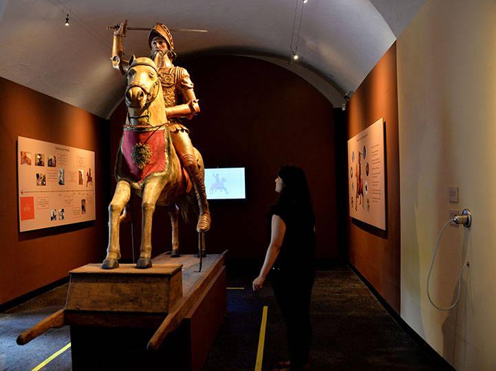 El Museo Nacional del Virreinato presenta a los visitantes la exposición Santiago, un caballero con alma de maíz : Foto © Melitón Tapia INAH