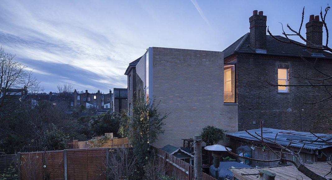House of Trace by Tsuruta Architects in Lewisham, London, England : Photo credit © Tim Croker