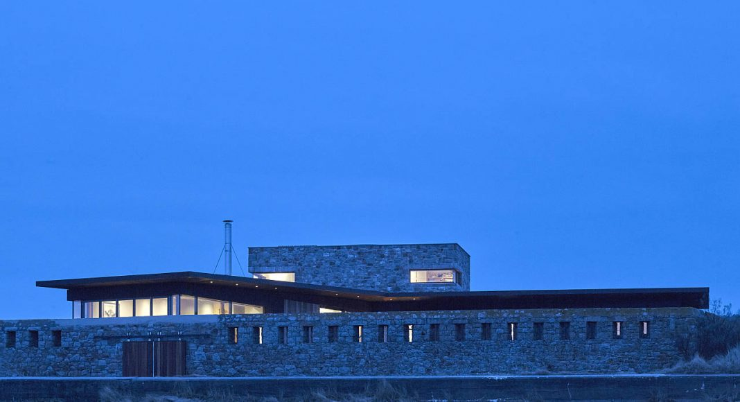 Le Petit Fort by Hudson Architects in Jersey, Channel Islands : Photo credits © Edmund Sumner