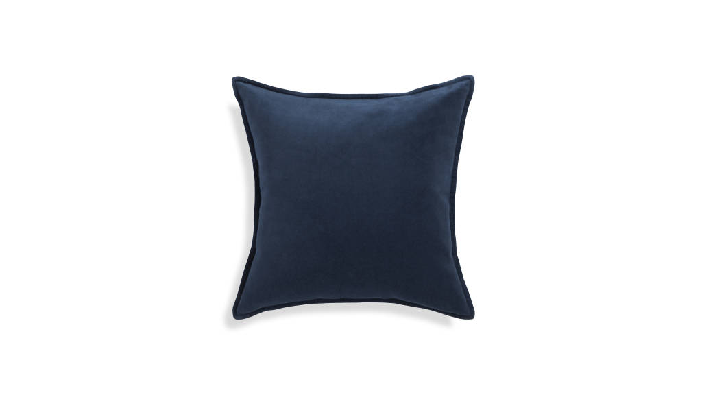 Brenner Pillow Indigo : Photo © Crate & Barrel