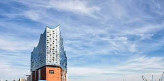 Elbphilharmonie Eestansicht : Photo credit © Thies Raetzke, courtesy of Elbphilharmonie Hamburg