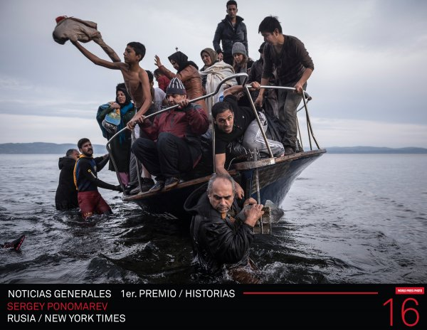 World Press Photo 16 Primer Premio / Historias en la Categoría Noticias Generales : Photo © Sergey Ponomarev de Rusia / New York Times