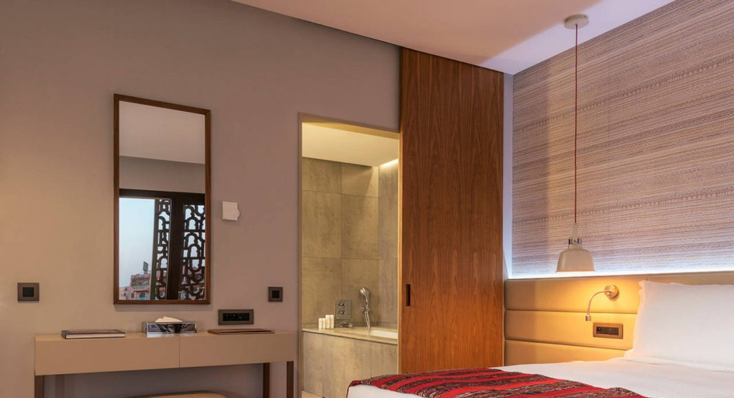 Radisson Blu Marrakech Junior Suite Bedroom : Photo credit © Atelier Pod