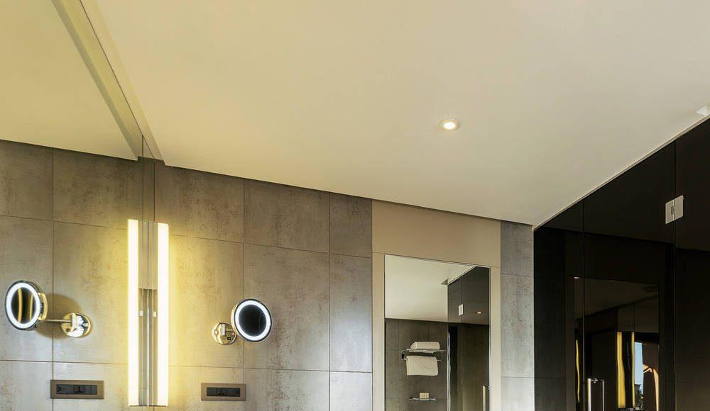 Radisson Blu Marrakech Junior Suite Bathroom : Photo credit © Atelier Pod