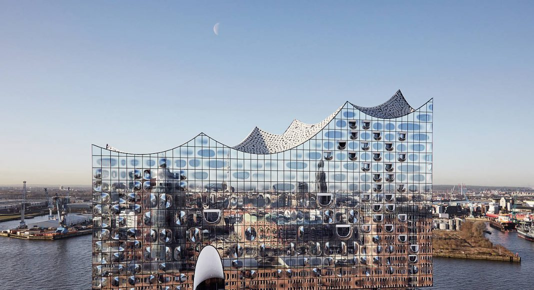 Elbphilharmonie Hamburg : Photo credit © Maxim Schulz, courtesy of Elbphilharmonie Hamburg