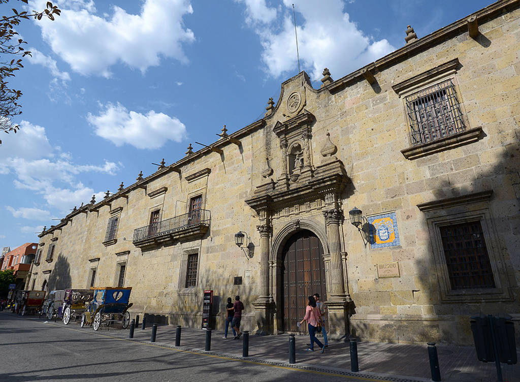 Fachada. Museo Regional de Guadalajara :. Foto : © Héctor Montaño INAH