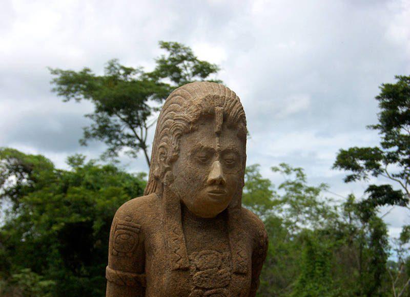 En los casos de Palenque, Toniná y Yaxchilán se elaboraron luego de alguna derrota : Foto © Mauricio Marat INAH