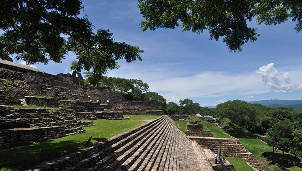 Zona Arqueológica de Toniná : Foto © Héctor Montaño INAH