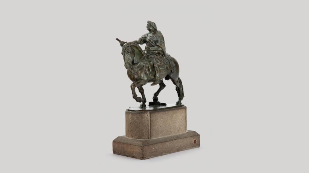Maqueta para la estatua de Carlos IV (ca. 1789-1798), Manuel Tolsá - Bronce 31.5 x 27.5 x 13 cm, Colección Particular : Fotografía cortesía del © Museo Nacional de Arte
