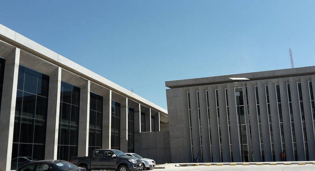Proyecto integral de Biblioteca, CAE y CELEX, del CECYT 17, León, Guanajuato : Fotografía cortesía de © Premio Obras Cemex